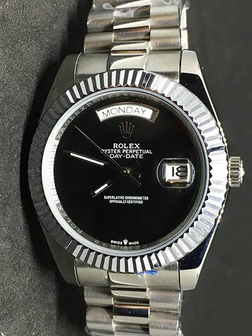 Replica de reloj Rolex Day-Date 02 (40mm) Esfera negra (Correa President) Automático(Acero)