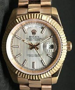 Replica de reloj Rolex Day-Date 09 (40mm) Esfera blanca (Correa President) Automático (Oro)