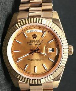 Replica de reloj Rolex Day-Date 10 (40mm) Esfera dorada (Correa President) Automático (Oro)